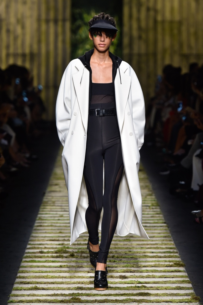 fsfwma10-11com-milan-fashion-week-s-s-2017-max-mara-highres