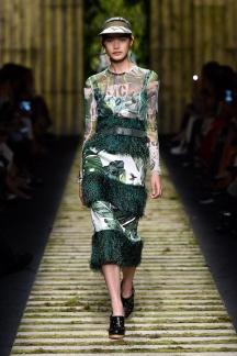 fsfwma10-18com-milan-fashion-week-s-s-2017-max-mara-highres