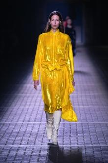 fwlo02-16com-london-fashion-week-s-s-2017-mulberry-highres-copy