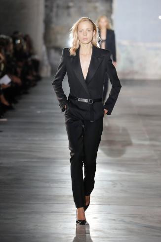 fsfwpa07-22com-fashion-week-paris-ss-2017-saint-laurent-highres