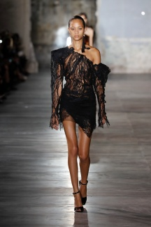 fsfwpa07-45com-fashion-week-paris-ss-2017-saint-laurent-highres