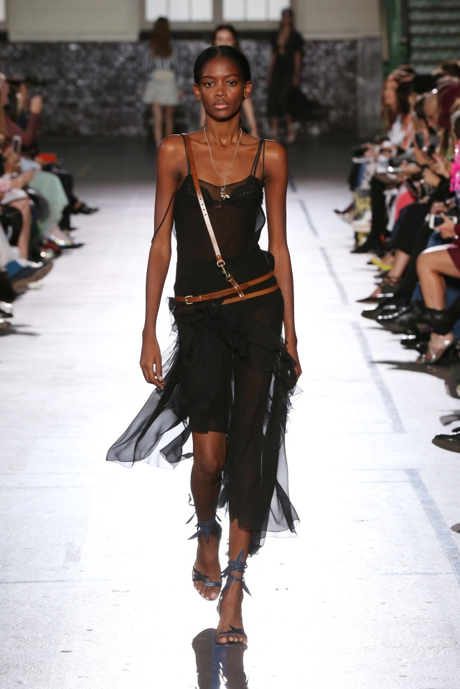 fsfwpa12-30b-fashion-week-paris-ss-2017-john-galliano-highres-copy