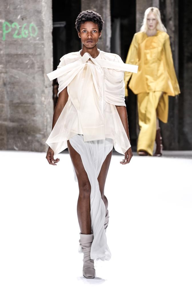 fswpa13-07com-fashion-week-paris-ss-2017-rick-owens-women-highres