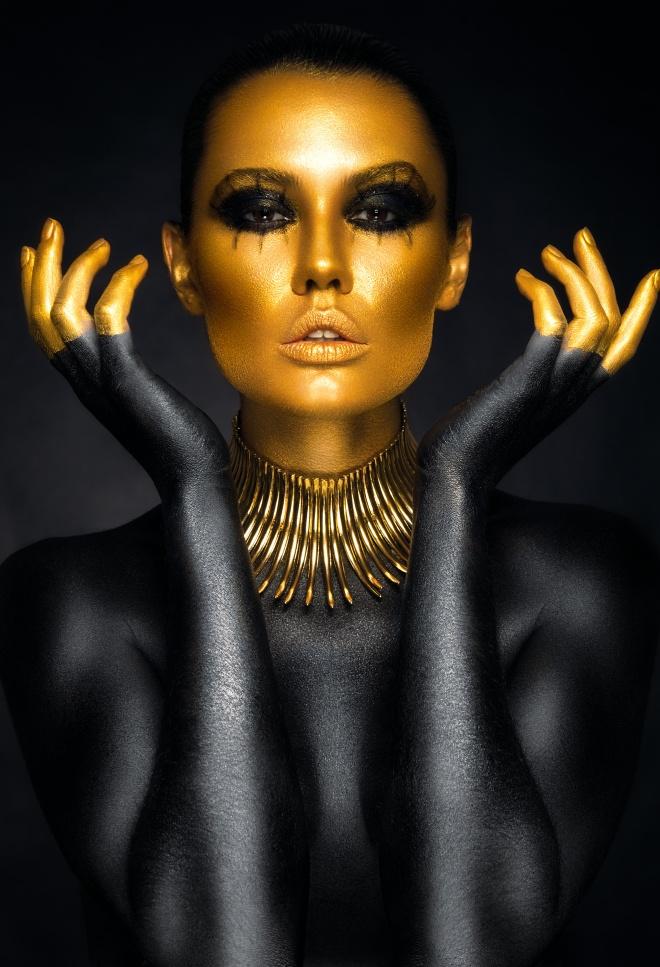 GOLD FINGERS.jpg