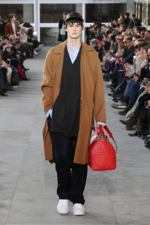 fsfwpa01-02com-paris-fashion-week-f-w-17-18-louis-vuitton-men-highres