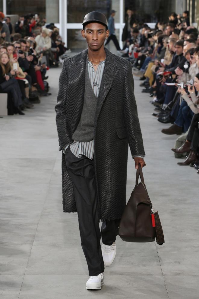 fsfwpa01-18com-paris-fashion-week-f-w-17-18-louis-vuitton-men-highres