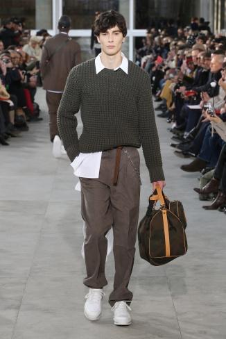 fsfwpa01-26com-paris-fashion-week-f-w-17-18-louis-vuitton-men-highres