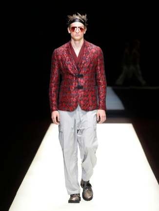 fwmi13.28com-fashion-week-milan-s-s-2018-emporio-armani-men-s-collection-highres