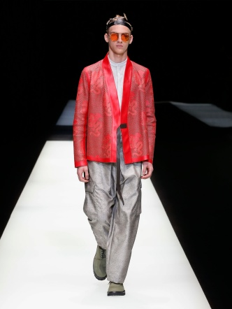 fwmi13.38com-fashion-week-milan-s-s-2018-emporio-armani-men-s-collection-highres