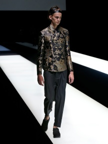 fwmi13.68com-fashion-week-milan-s-s-2018-emporio-armani-men-s-collection-highres