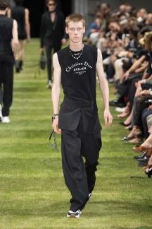 fwpa01.12com-fashion-week-paris-s-s-2018-dior-homme-highres