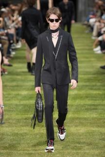 fwpa01.13com-fashion-week-paris-s-s-2018-dior-homme-highres