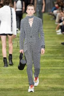 fwpa01.16com-fashion-week-paris-s-s-2018-dior-homme-highres