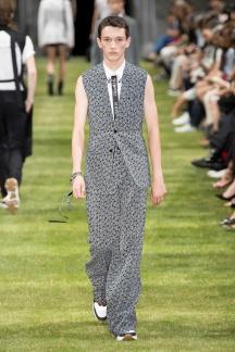 fwpa01.17com-fashion-week-paris-s-s-2018-dior-homme-highres