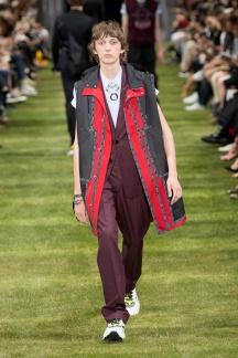 fwpa01.23com-fashion-week-paris-s-s-2018-dior-homme-highres