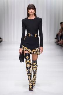 fsfwma07.06com-fashion-week-milan-s-s-18-versace