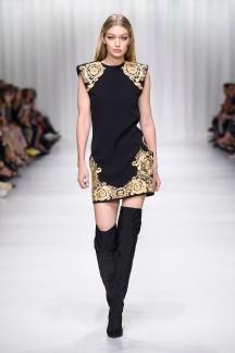 fsfwma07.07com-fashion-week-milan-s-s-18-versace