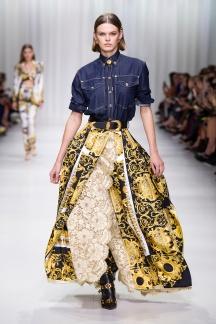fsfwma07.16com-fashion-week-milan-s-s-18-versace