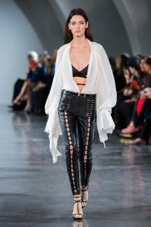 fswpa010.10com-fashion-week-paris-s-s-18-thierry-mugler-highres