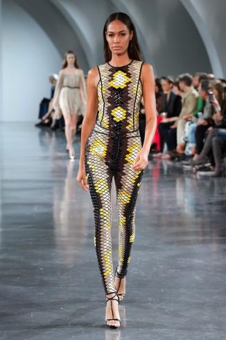 fswpa010.21com-fashion-week-paris-s-s-18-thierry-mugler-highres